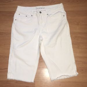 Girls BNWOT Limited Too 14 1/2 White Shorts